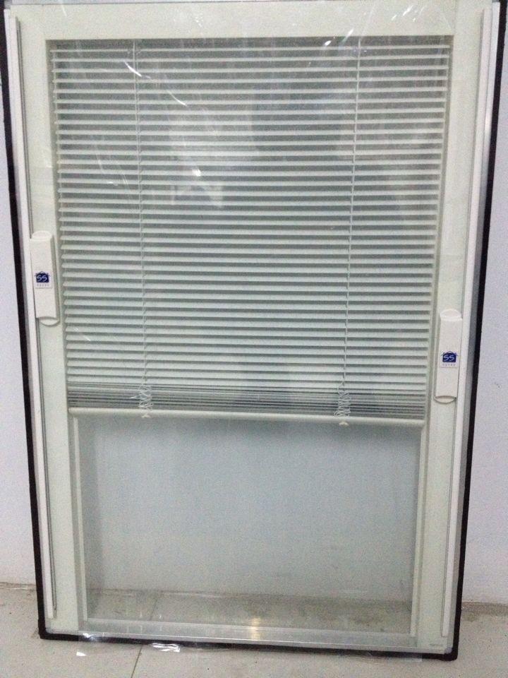 پرده کرکره داخل شیشه در البرز کرج